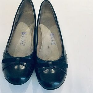 Life Stride Navy. Lue Flats Size 9.5